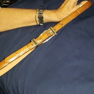 Brighton size ML/32 brown leather thin belt